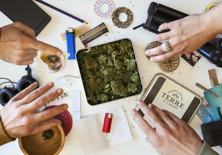 How to load the portable vaporizer